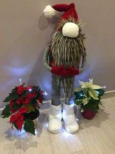 1 million+ Stunning Free Images to Use Anywhere Christmas Gnome, Outdoor Christmas, Christmas Projects, Handmade Christmas, Christmas Wreaths, Christmas Decorations, Christmas Ornaments, Holiday Decor, Crafts To Do