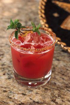 Spiced Hibiscus Rum Cooler // @tastyyummies // www.tasty-yummies.com