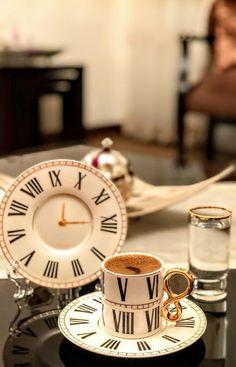 Little's Coffee, Spiced Coffee, I Love Coffee, Coffee Cafe, Coffee Break, Coffee Drinks, Turkish Coffee Cups, Coffee Design, Espresso Cups