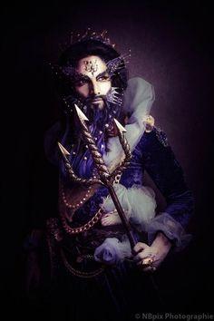 #TElombre - telombre.com actor, performer, singer, model, long hair, french, alternative, androgyn, paris, photography, shooting, nadege henri, posseidon, neptune, dieu, olympe, antique, antic, trident, poisson, blue, ocean
