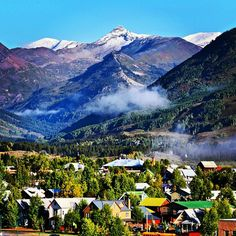 #snow on the #highpeaks this morning. #paradisedivide #winteriscoming #crestedbutte #mountainlife  Photo: Chris Segal