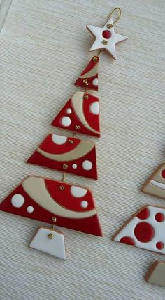 Most recent Free of Charge clay pottery easy Ideas Christbaum Anhänger – Clay Christmas Decorations, Polymer Clay Christmas, Ribbon On Christmas Tree, Noel Christmas, Diy Christmas Ornaments, Holiday Crafts, Xmas Tree, Christmas Cookies, Fused Glass Ornaments