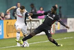 United's Patrick Nyarko challenges Keegan Rosenberry. (By Tony Quinn)  At 7:25 p.m. Saturday, 17 minutes 23 seconds into D.C. United's fourth match of the MLS season, Jose Guillermo Ortiz's deflected shot took flight in the south end of RFK Stadium and, to the relief of an exasperated team...  http://usa.swengen.com/d-c-united-finally-breaks-the-ice-gets-first-goals-and-first-win-over-union-2-1/