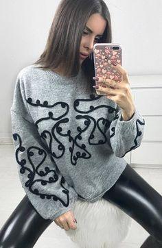 ootd | printed sweater and black leather skinnies