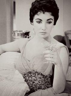 Elizabeth Taylor in 'The Last Time I Saw Paris',1954.