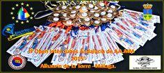 Medallas e identificación de competidores del campeonato.