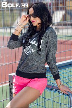 Tentokrát něco pro dámy! Trendy a stylová mikina Hot Red to must have v této sezoně. Sporty, Trendy, Style, Fashion, Moda, La Mode, Fasion, Fashion Models, Trendy Fashion