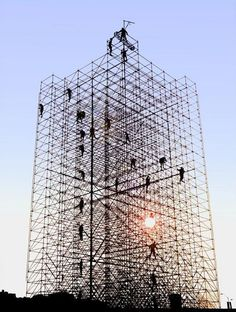 Ponteggi Roma è un servizio di costruzione, installazione, montaggio e noleggio di ponteggi in tutta Roma e provincia