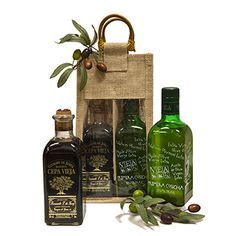 The Spanish Pantry gift features a beautiful bottle of Veaoils Extra Virgin Olive oil, as well as a bottle of Cepa Vieja Reserva balsamic vinegar. Both come packed in a sturdy jute tote that can be reused as a wine carrier!