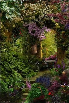 beautifully landscaped English country style garden & arch-entrance.