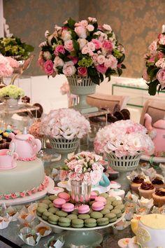 floral dessert plates paper | Dessert Tablescape. too many flowerss, but like idea of short vase on ...