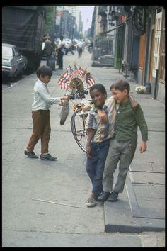 Vernon Merritt | from 31 Photos Of New York City In The Summer Of '69
