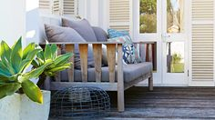 Dec-Greaves-beach-home-outdoor-lounge-wood-deck