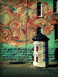 this is street art at the corner of de bullion and prince arthur. Graffiti Artwork, Art Mural, Wall Murals, Wall Art, Murals Street Art, Street Art Graffiti, City Clean, Art Public, Of Montreal