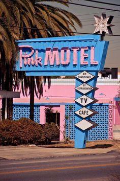 Source: cadillac-jacks.com - http://www.cadillac-jacks.com/Pink_Motel.htm