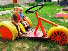 . Backyard For Kids, Backyard Games, Diy For Kids, Tire Playground, Tire Craft, Tire Garden, Tyres Recycle, Recycled Tires, Outdoor Play Areas