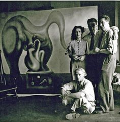 Max Ernst, Leonora Carrington, Marcel Duchamp et André Breton. New York. 1942.