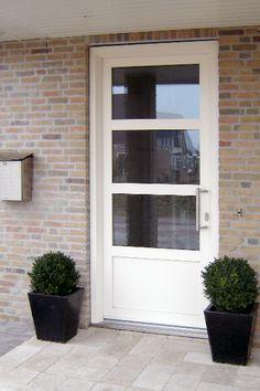 Dubbele deuren in kunststof met horizontale wienersprosse for Deuren specialist