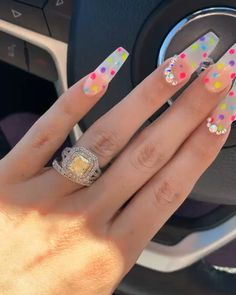 The advantage of the gel is that it allows you to enjoy your French manicure for a long time. There are four different ways to make a French manicure on gel nails. Aycrlic Nails, Glam Nails, Neon Nails, Cute Acrylic Nails, Nail Nail, Perfect Nails, Gorgeous Nails, Pretty Nails, Super Cute Nails