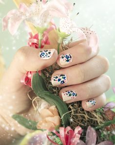 Quiet Lion Creations: Easy Spring Floral Nails