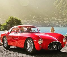 Always classy #classicmodel #cars #classiccars #luxurylife #lakecomo #italy #passion #realstyle #bilionaires #red #sundaymood #instagood