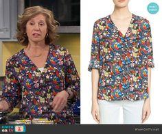 Vanessa's floral v-neck blouse on Last Man Standing.  Outfit Details: https://wornontv.net/56612/ #LastManStanding