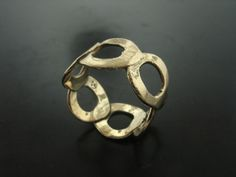 EMILIA RING. Yellow Gold - Jelena Behrend Studio. Request a quote online: www.jelenabehrendstudio.com/collections/fine-jewelry/products/yellow-gold-emilia-ring #jelenabehrendstudio #jbsrings