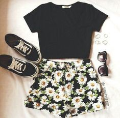 Erstaunliche Teenager-Mode-Outfits 1656692055 – My World Teen Fashion Outfits, Mode Outfits, Cute Fashion, Look Fashion, Girl Outfits, Womens Fashion, Shorts Outfits For Teens, Teenager Outfits, Fashion Ideas