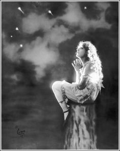 Mary Pickford - this is the picture that first made me fall in love with her almost 20 years ago. Star power.