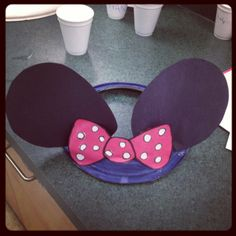 Minnie mouse or Micky ears for kids using paper plates and construction paper