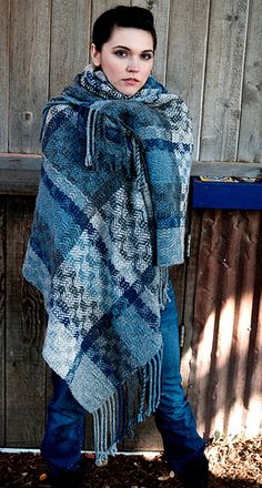 I adore this blanket - maybe a smaller version on my own loom?