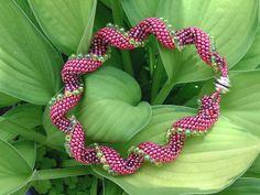 Indespiral by Sylvia Lupberger Lusyl: Peyotearmband Beadwork, Beading, Peyote Stitch, Herringbone, Necklace Set, Spiral, Christmas Wreaths, Holiday Decor, Jewelry