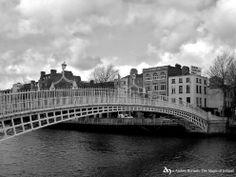 Ha'penny Bridge, Dublin by The Magic of Ireland. © Andrés Hurtado