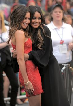 Vanessa Hudgens and Ashley Tisdale
