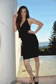Cade Winery: Herve Leger Dress and Sain Laurent shoes. Perfect for some wine.