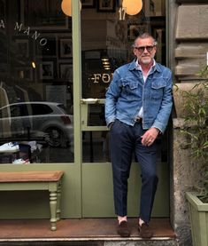 ere we go again in Milan, see you at Fortela Shop. Fashion For Men Over 50, Mens Fashion Week, Denim Fashion, Denim Jacket Men, Denim Jeans, Blazer Outfits Men, Estilo Jeans, Pantalon Costume, Men's Wardrobe