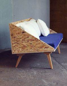 Beech and OSB Sofa-Cecile Guignard - Home Decoration - Interior Design Ideas Ikea Furniture, Plywood Furniture, Furniture Making, Cool Furniture, Furniture Design, Furniture Ideas, Barbie Furniture, Garden Furniture, Sofa Ideas