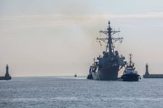 Amerykanski niszczyciel wpłynął do portu w Gdyni.