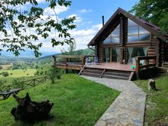 Cele mai frumoase cazări din România, găsite prin Airbnb – Fabrika de Case Turism Romania, A Frame Cabin, Smoke Alarms, House Beds, Open Plan Kitchen, Bed And Breakfast, Traveling By Yourself, Entrance, Places To Go