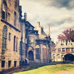 A beautiful shot of Fonthill Castle, taken by @memphisdawls on Instagram.