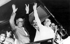 Sarney em 1984: na campanha de Tancredo Neves à Presidência, dividindo o palanque com o candidato (à dir.) e com o deputado Ulysses Guimarães (à esq.).