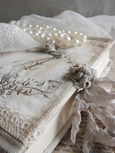 Pearls www.MadamPaloozaEmporium.com www.facebook.com/MadamPalooza