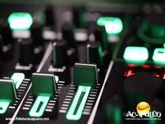#eventosacapulco 24 horas de la mejor música electrónica en Acapulco. EVENTOS ACAPULCO. Si te gusta la música electrónica y deseas escucharla por 24 horas seguidas, Acapulco Beat Súmmum es para ti, ya que el evento contará con los mejores DJ's de este género musical y con el mejor escenario, el paradisiaco puerto de Acapulco. Te invitamos a visitar la página oficial de Fidetur Acapulco, para obtener más información.