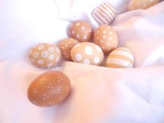Sabine Seyffert: Eier braun weiß