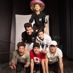 Magcon. Johnny Orlando, Hunter Rowland, Brandon Rowland, Cameron Dallas, Blake gray, Aaron Carpenter