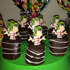 El Chavo del Ocho chocolate covered marshmallow barrels Twin Birthday, First Birthday Parties, 4th Birthday, Birthday Party Themes, First Birthdays, Chocolate Covered Marshmallows, Taco Bar, Cake Decorating, Frozen