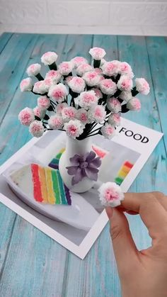 Diy Crafts Hacks, Diy Crafts For Gifts, Diy Projects, Flower Crafts, Diy Flowers, Flower Diy, Flower Room, Tissue Paper Flowers, Flower Paper
