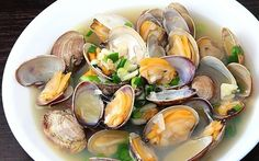 Steamed Asari Clams In Rice Wine Soup - Hatcho Japanese Cuisine - Zmenu, The Most Comprehensive Menu With Photos Easy Korean Recipes, Great Recipes, Favorite Recipes, Shellfish Recipes, Seafood Recipes, Grilled Oysters, Steamed Clams, Food Diary, Stew