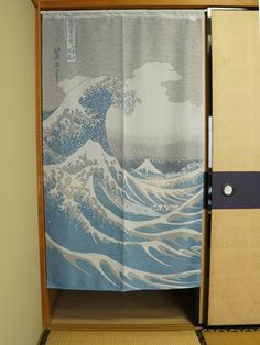 Hokusai Wave Light Dimensions: 85cm x 150cm / 33,5in x59,1in Made in Japan