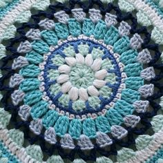 All I need is yarn! Mini Quilts, Crochet Doilies, Ocean, Blanket, Sewing, Crafts, Crochet Ideas, Languages, Patterns